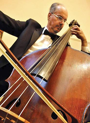 Musician Thomas Derthick